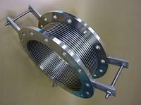 プラント設備に使われるベローズ伸縮管
