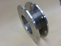 短面間の金属ベローズ伸縮管