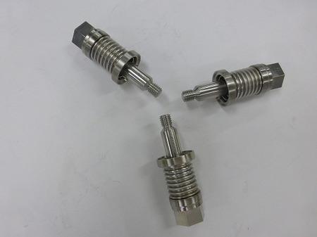 航空・宇宙関連の極低温配管に使われる多層ベローズ