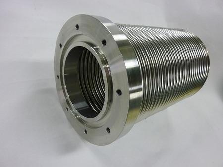 アルゴンガス配管に使われる多層ベローズ