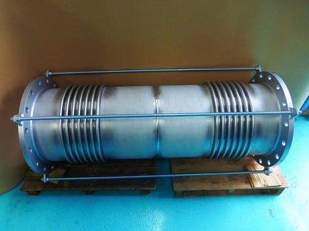 ユニバーサル式ベローズ伸縮管