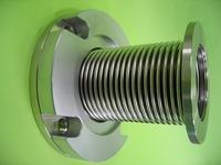 これはフレキでなく振動吸収用の金属ベローズです。
