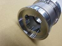 SUS329J4Lの金具を使用したハステロイ製シール用ベローズ
