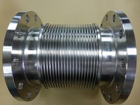 軸直角方向に振幅がある排ガス配管に使うベローズ伸縮管