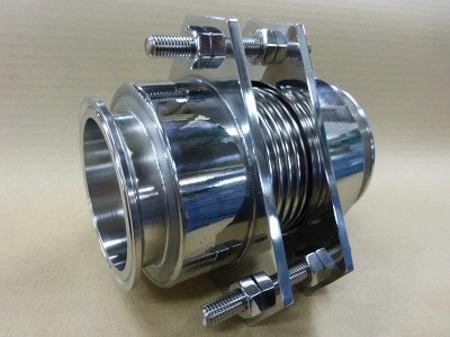化学プラント設備の紛体配管に使われた化学研磨仕上げのベローズ
