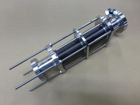 大学の研究室に納入したICFのフランジが付いた溶接ベローズ伸縮管