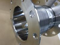 紛体プラントに使われる内筒を研磨した多層ベローズ伸縮管