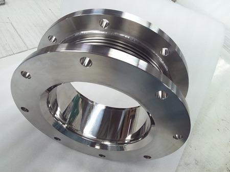 紛体移送装置に使われる研磨加工を施した金属ベローズ