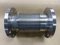 振動に対応できるチューブがなく困っていた配管を多層ベローズが解消しました。