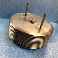 容器内の液体の熱膨張を吸収するベローズ